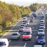 Savona, partorisce in auto a Ferragosto a causa del traffico sull'Aurelia