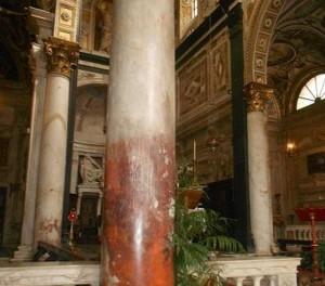 Colonna macchiata di sangue a San Matteo