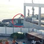Foce – Un'edicola nel cantiere dello scolmatore in corso Italia