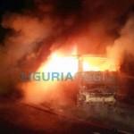 Genova, bus in fiamme in via Bobbio. Secondo caso in una settimana