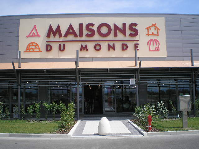 Maisons du monde assume a genova ecco come fare liguria for Sofas maison du monde