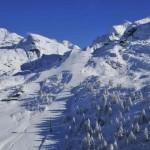 Sciatore 38enne muore travolto da una valanga
