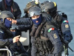 Squadra anti terrorismo a Genova