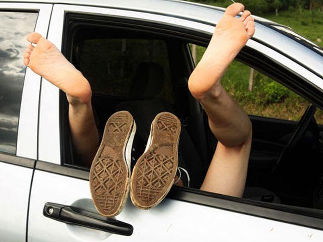 Sesso sfrenato in Autostrada - Giovani multati dalla polizia stradale