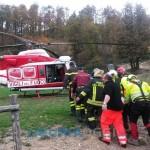 Varese Ligure – Si ribalta con il trattore, salvato da elicottero del 118