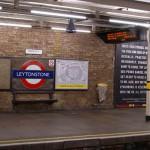 Londra, tenta di sgozzare un turista sulla Metro, arrestato