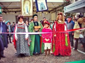 La tradizionale inaugurazione del Mercatino di San Nicola