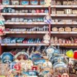 Roma, sequestrati dalla Gdf 500mila gadget religiosi per il valore di un milione di euro