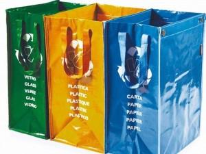 La Spezia, prosegue distribuzione sacchetti per raccolta differenziata