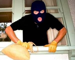 Oregina - Ladri smurano la cassaforte, bottino da 20mila euro