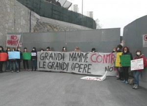 Mamme protestano contro Tav a Cravasco