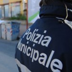 Provoca un incidente, fornisce false generalità e scappa: arrestato