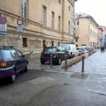Sampierdarena – Via Daste invasa dalle auto in sosta vietata