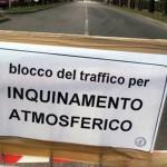 Milano, emergenza smog: il Comune blocca il traffico per tre giorni