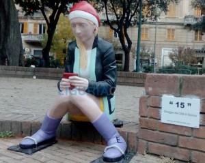 Statua misteriosa in piazza Martinez