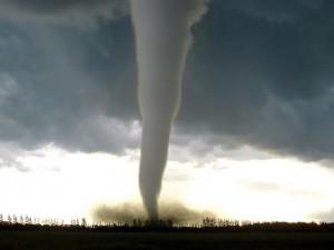 Tornado devastano il Texas, almeno 14 morti