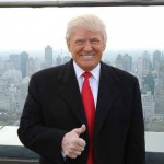 La stella di Donald Trump coperta da una svastica