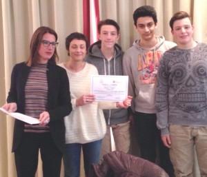 Ilaria Cavo consegna premi Digitale in Classe