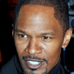 Jamie Foxx eroe, salva un uomo da pick up in fiamme