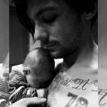 Gossip – Louis Tomlinson dei One Direction è diventato papà: ecco la prima foto del piccolo Freddie