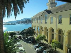 """Nella foto, la succursale del Liceo """"Da Vigo"""" di Rapallo"""