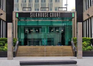 Nella foto, l'ingresso della Silkhouse Court di Liverpool