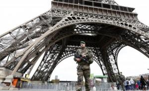 Parigi, allarme bomba in 6 licei