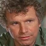 Morto Wayne Rogers, il capitano John Trapper McIntyre di Mash