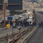 Ilva, prosegue la protesta dei lavoratori. Sopraelevata bloccata in entrambe le direzioni