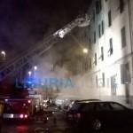 La Spezia – Incendio in viale Amendola, evacuata una palazzina