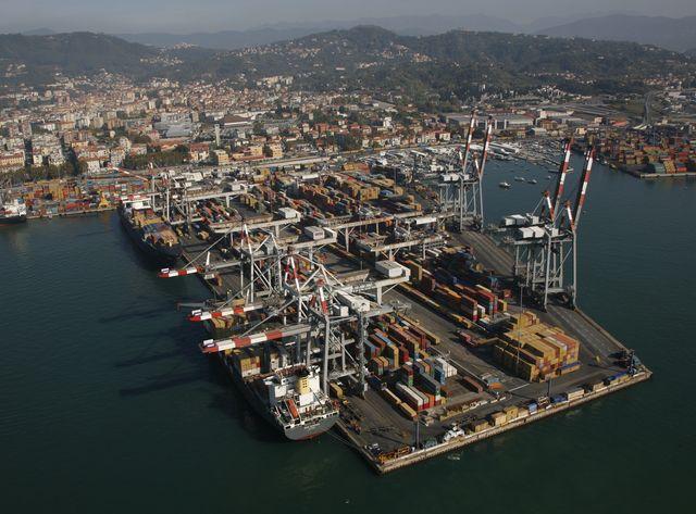 La Spezia, tragedia in un cantiere navale: morto un operaio 56enne