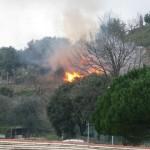 Pegli, principio di incendio in via Scarpanto, arrivano i pompieri
