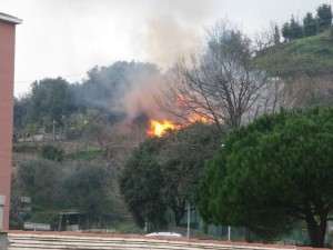 Incendio in via Scarpanto a Pegli