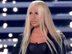 Donatella Versace (Virginia Raffaele)