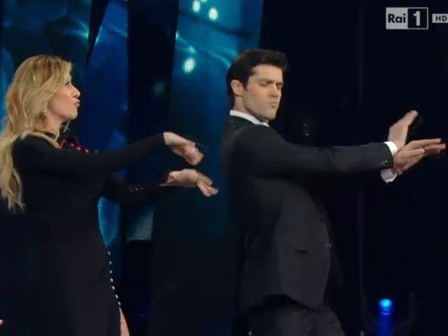 """Roberto Bolle balla """"Vola"""" della Cuccarini all'Ariston"""