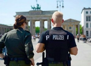 Berlino, arrestati due sospetti terroristi