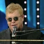 Sanremo 2016 – Elton John finalmente sul palco del teatro Ariston