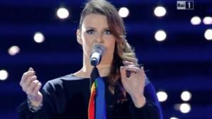Roberto Bolle apre la serata conclusiva del Festival di Sanremo 2016