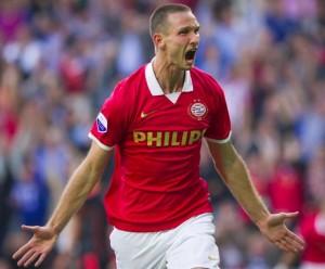 Nella foto, Tim Matavz con la maglia del PSV