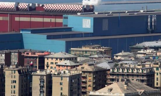 Fuochi d'artificio a Genova per il Salone Nautico del rilancio
