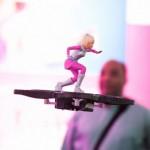 Barbie si modernizza: andrà sull'hoverboard