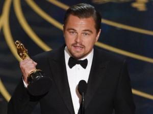 Leonardo Di Caprio ringrazia per il tanto atteso Oscar
