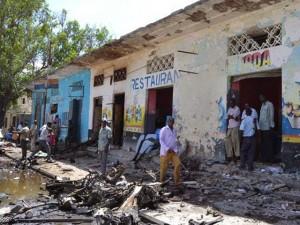 Duplice attentato a Mogadiscio: almeno 13 morti