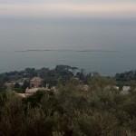 Genova – Chiazze scure in mare al largo di Nervi