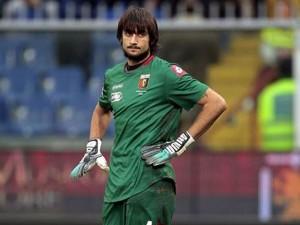 Calcio - Perin a Roma per l'intervento al crociato