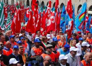 Genova, domani il raduno sindacale a De Ferrari
