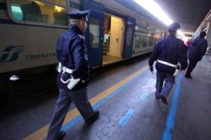 Napoli, 17enne travolto da treno