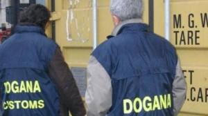Indagine delle Dogane della Spezia, maxi sequestro di merce contraffatta