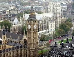Londra, attacco armato al Parlamento. Almeno 12 feriti