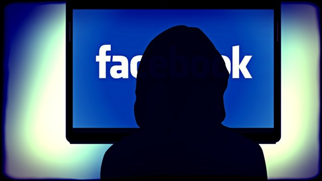 Elezioni americane, Facebook e Instagram bloccano account per attività sospetta